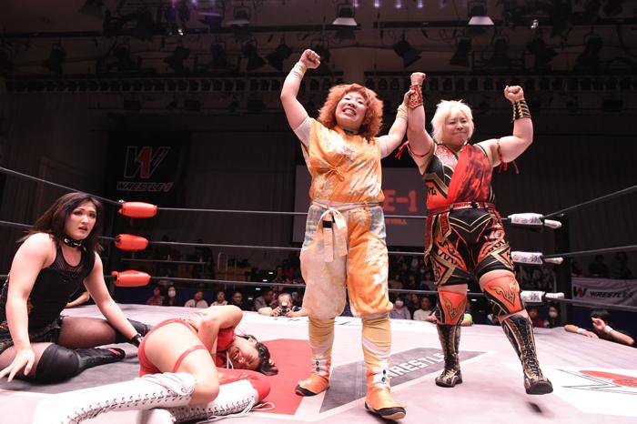 "W-1: ""Wrestle-1 Tour 2018 Autumn Bout"" La traición de Yoshioka 5"